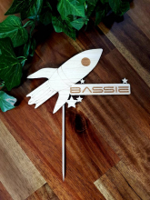 Bassie rocket cake topper
